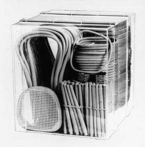 36 sillas Thonet en una caja de un metro cuadrado