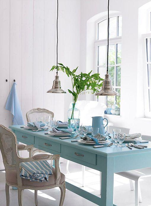 Comedor en azul senenidad