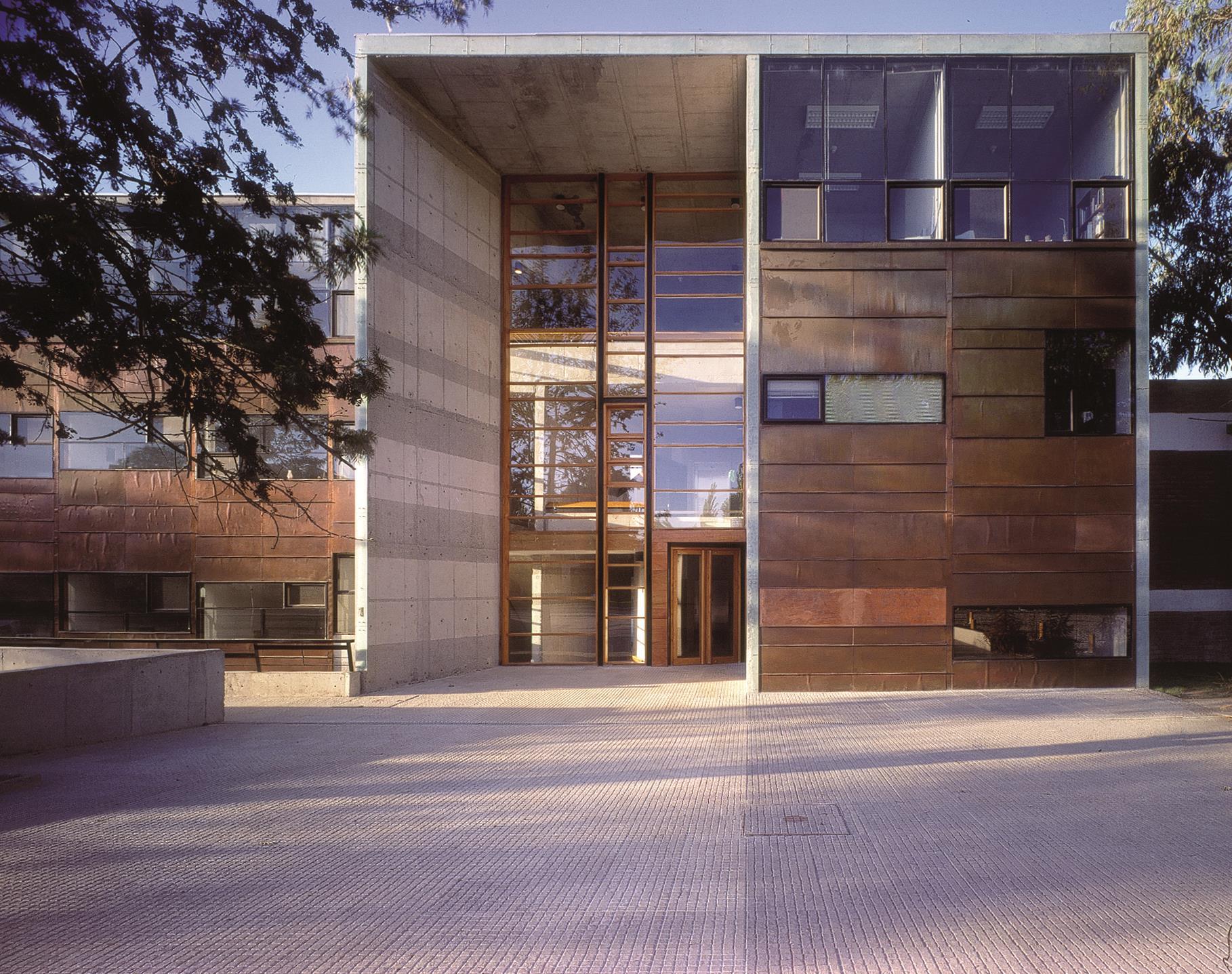 Facultad de Matemáticas Universidad Católica Santiago de Chile 1999
